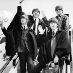 19 Vintage Shots of Celebrities on the Steps of Planes