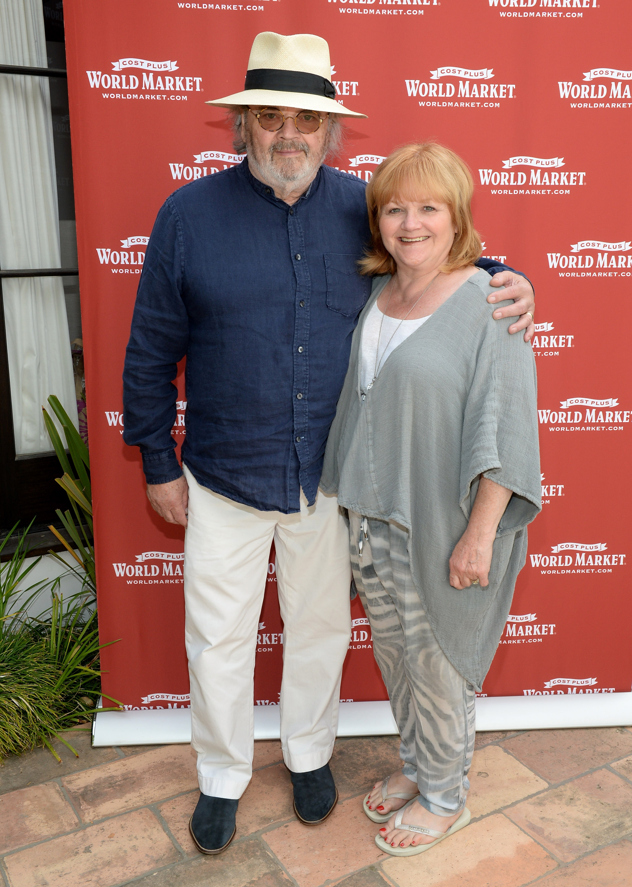 """SANTA MONICA, CA - MAY 14: Actress Lesley Nicol (R) and David Keith Heald attend Cost Plus World Market's Santa Monica Beach House Party #Celebrate Outdoors on May 14, 2016 in Santa Monica, California. (Photo by Michael Kovac/Getty Images for Cost Plus World Market)"""